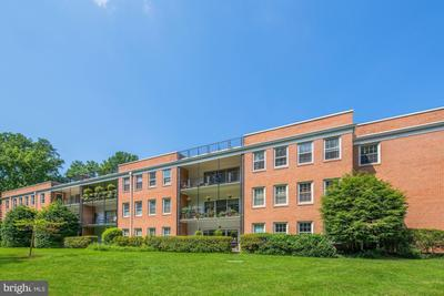 3535 Chevy Chase Lake Dr #101, Chevy Chase, MD 20815