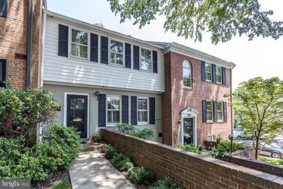 3553 Hamlet Pl, Chevy Chase, MD 20815