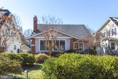 3604 Thornapple St, Chevy Chase, MD 20815