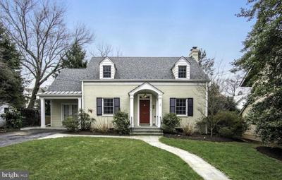 3704 Inverness Dr, Chevy Chase, MD 20815