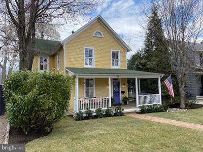 3705 Underwood St, Chevy Chase, MD 20815