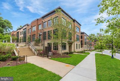 3711 Chevy Chase Lake Dr #18, Chevy Chase, MD 20815