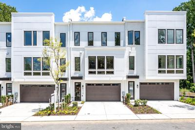 3729 Glenmoor Reserve Ln, Chevy Chase, MD 20815