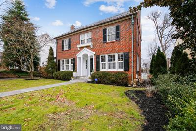 3805 Underwood St, Chevy Chase, MD 20815