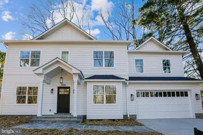 3818 Inverness Dr, Chevy Chase, MD 20815