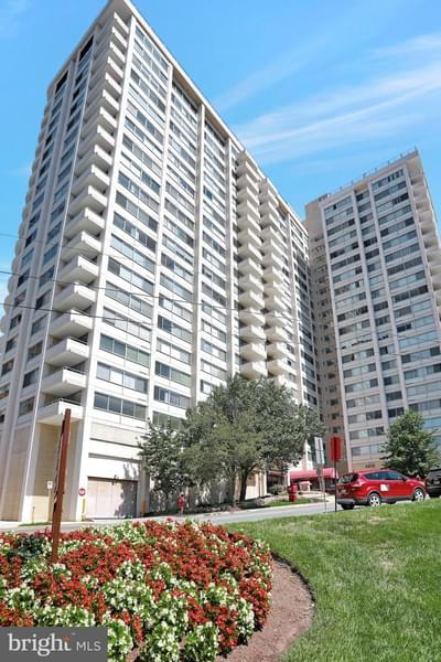 4515 Willard Ave #1014S, Chevy Chase, MD 20815