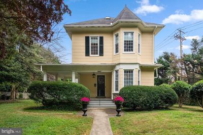 8801 Kensington Pkwy, Chevy Chase, MD 20815