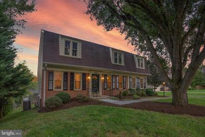 9005 Levelle Dr, Chevy Chase, MD 20815