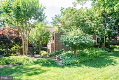 9211 Levelle Dr, Chevy Chase, MD 20815