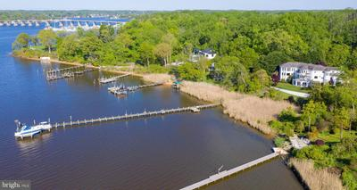 3 Deepwater Ct, Edgewater, MD 21037