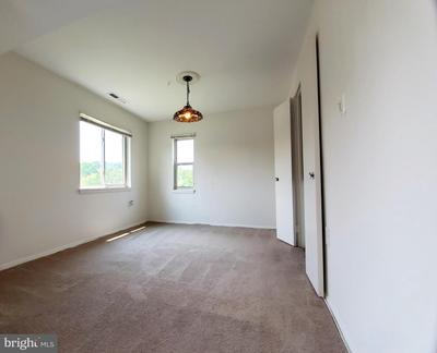 18728 Walkers Choice Rd #4 Image 6 of 26
