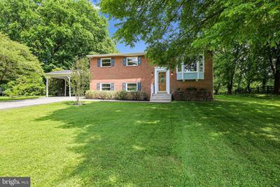 8216 Seneca View Dr, Gaithersburg, MD 20882