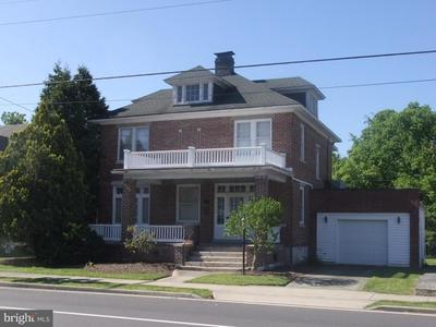 207 W Main St, Hancock, MD 21750