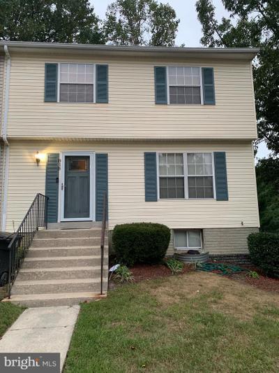 818 Rachel Ct, Hyattsville, MD 20785