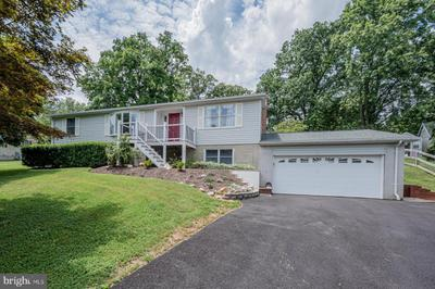 10694 Stansfield Rd, Laurel, MD 20723