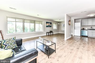 18726 Walkers Choice Rd #6, Montgomery Village, MD 20886