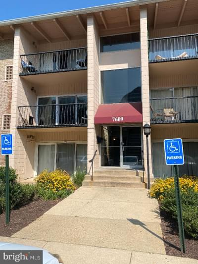 7609 Fontainebleau Dr #2213, New Carrollton, MD 20784