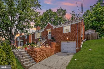 5814 Woodland Dr, Oxon Hill, MD 20745