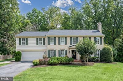 10301 Crown Point Ct, Potomac, MD 20854