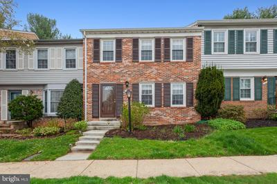 12 Chantilly Ct, Rockville, MD 20850