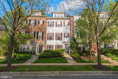2116 Clark Pl, Silver Spring, MD 20910 MLS #MDMC753174 Image 1 of 32