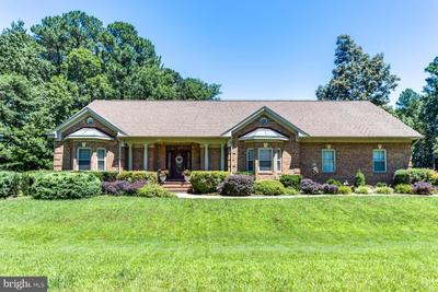 14865 King Charles Dr, Swan Point, MD 20645