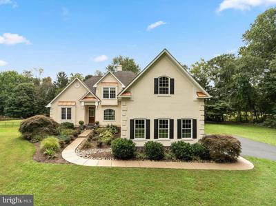 5221 Equestrian Dr, Sykesville, MD 21784
