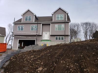 44 Grand View Ave, Lynn, MA 01904