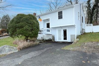 749 Rocky Hill Rd, Plymouth, MA 02360