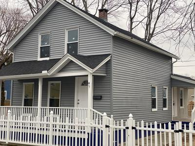 47 Queen St, Springfield, MA 01109