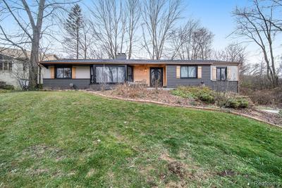2905 Lahser Rd, Bloomfield Hills, MI 48304