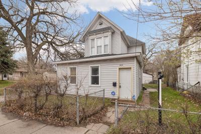 1016 Lowry Ave Ne, Minneapolis, MN 55418