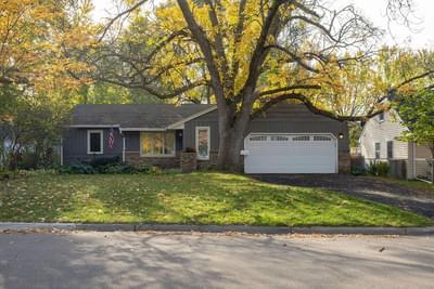 6813 Hill Pl N, Minneapolis, MN 55427