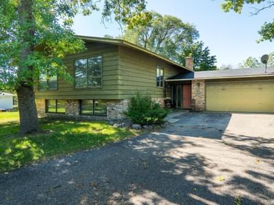 5152 Woodridge Rd, Minnetonka, MN 55345