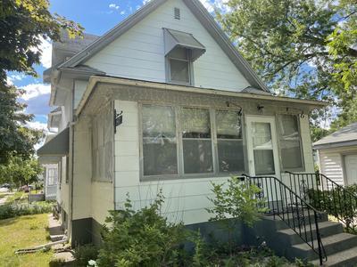 1467 Charles Ave, Saint Paul, MN 55104