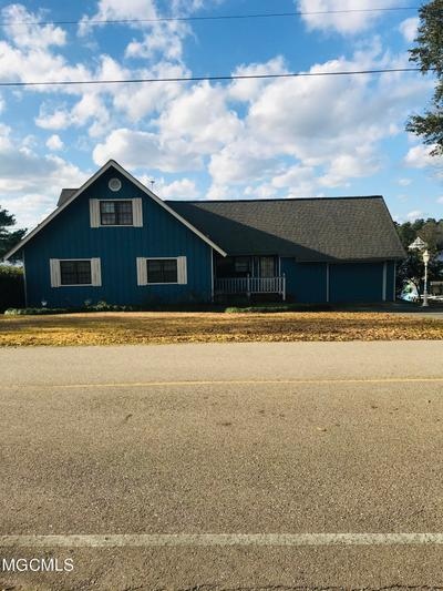 1134 E Lakeshore Dr, Carriere, MS 39426