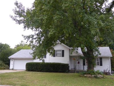 3020 S Hall Rd, Independence, MO 64052
