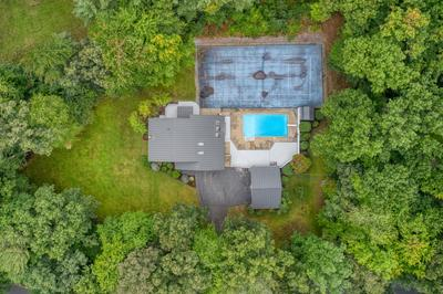 35 Mulberry Ln, Bedford, NH 03110