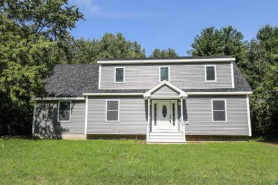 61 Pleasant St, Epping, NH 03042