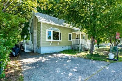 8 Waverly St, Rochester, NH 03867