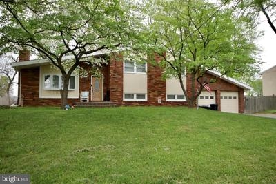 210 Woodlawn Ave, Sewell, NJ 08080