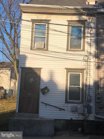 24 Chapel St, Trenton, NJ 08618