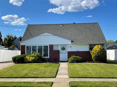 2667 Shirley Ln, Bellmore, NY 11710
