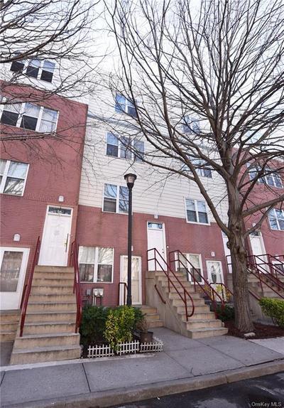 211 Neptune Ln #5211H, Bronx, NY 10473