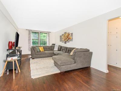 5235 Post Rd #4E, Bronx, NY 10471