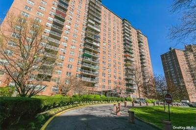 880 Boynton Ave #1M, Bronx, NY 10473