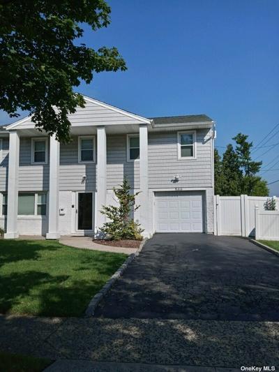 566 Harbor Dr, Cedarhurst, NY 11516