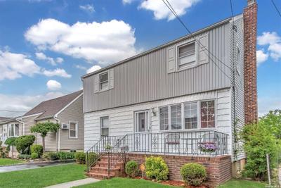 281 Jacob St, Elmont, NY 11003