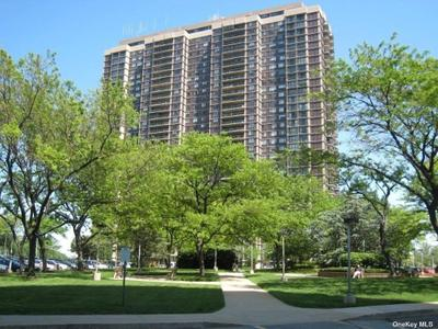 27110 Grand Central Pkwy #18W, Floral Park, NY 11005