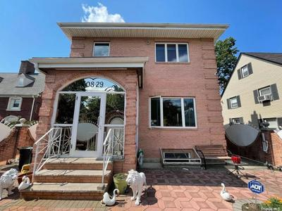 10829 67th Rd, Forest Hills, NY 11375